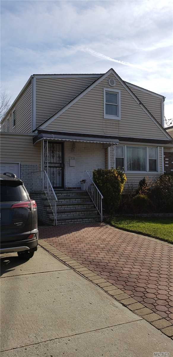 Photo of home for sale at 1037 Elmont Rd, Valley Stream NY