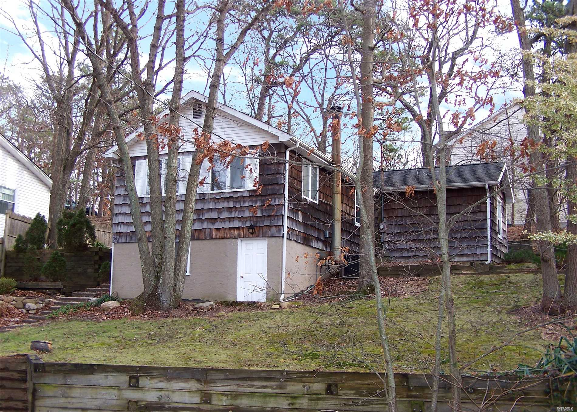 Photo of home for sale at 29 Magnolia Dr, Rocky Point NY