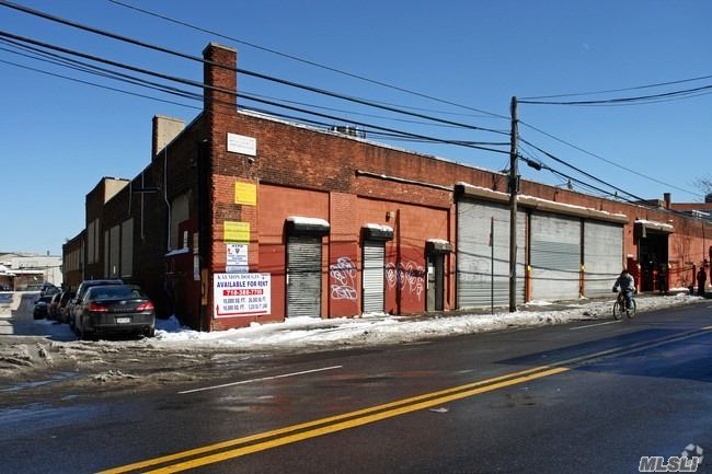 Property for sale at 49-29 Metropolitan Ave, Ridgewood,  NY 11385