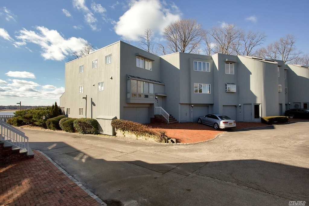 Property for sale at 12 Sands Ct, Port Washington,  NY 11050