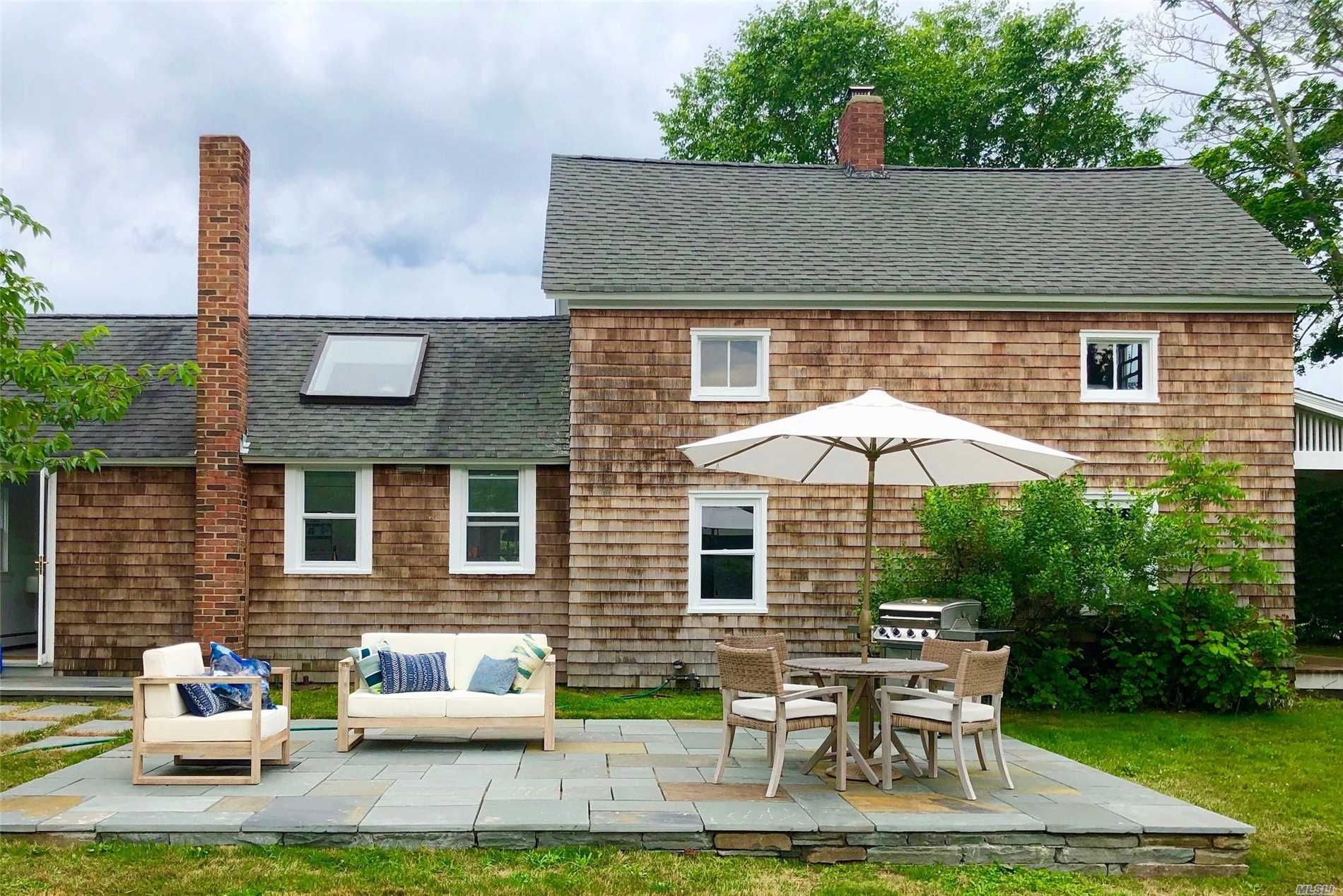 Photo of home for sale at 3015 Skunk Ln, Cutchogue NY