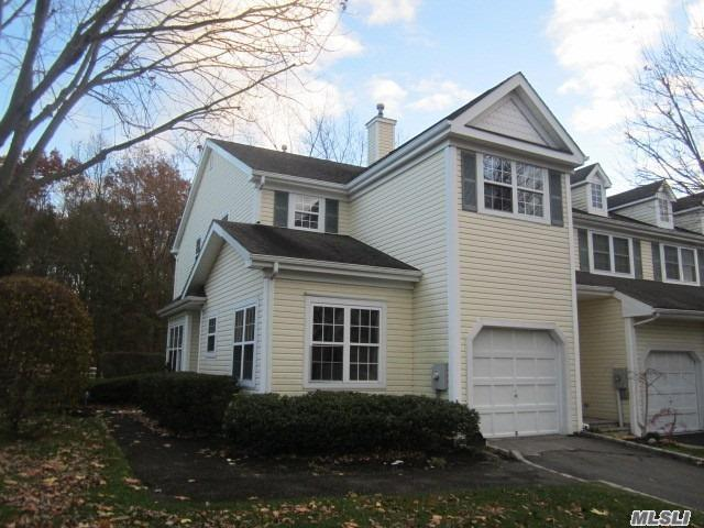 Property for sale at 16 Chelsea Dr, Smithtown,  NY 11787