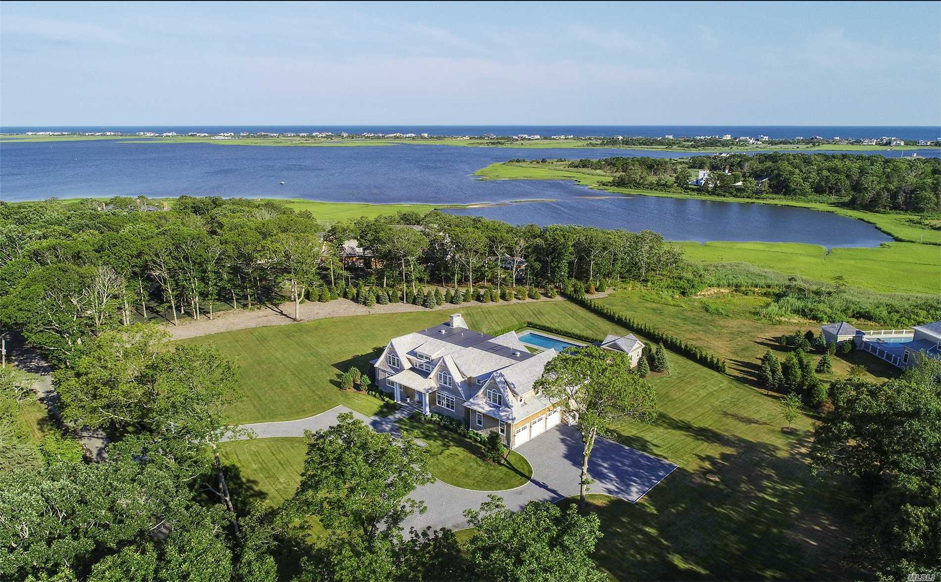 Photo of home for sale at 22 Bay Rd, Quogue NY