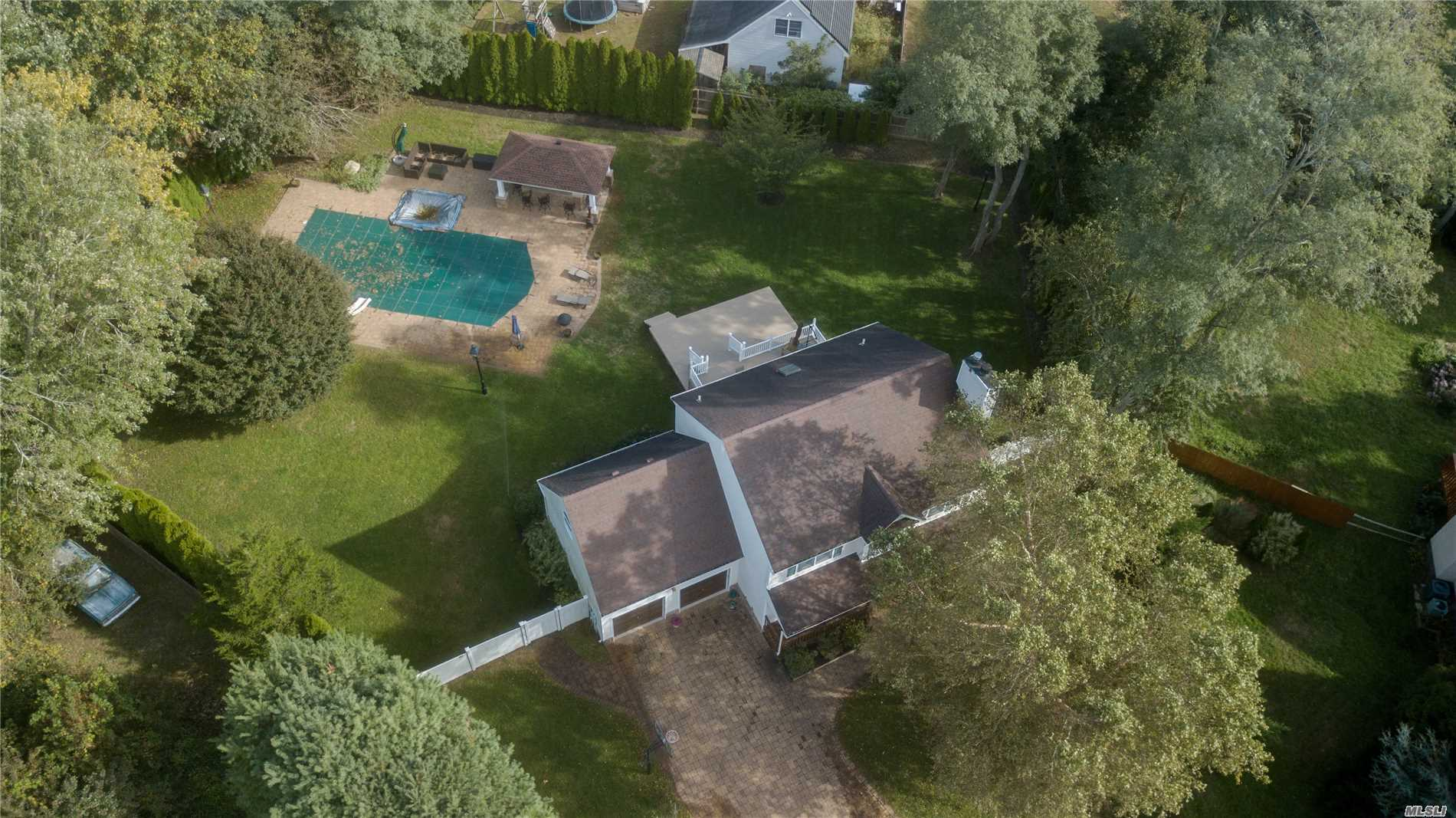 Photo of home for sale at 248 Trout Brook Ln, Aquebogue NY
