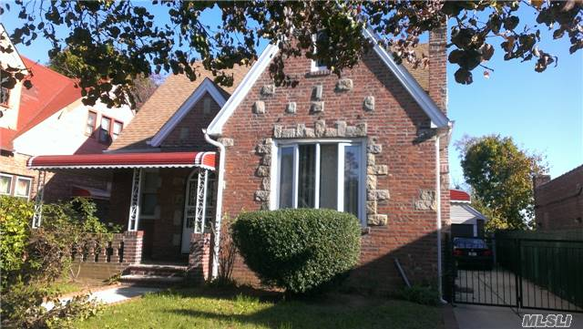 Photo of home for sale at 116-43 220th St, Cambria Heights NY