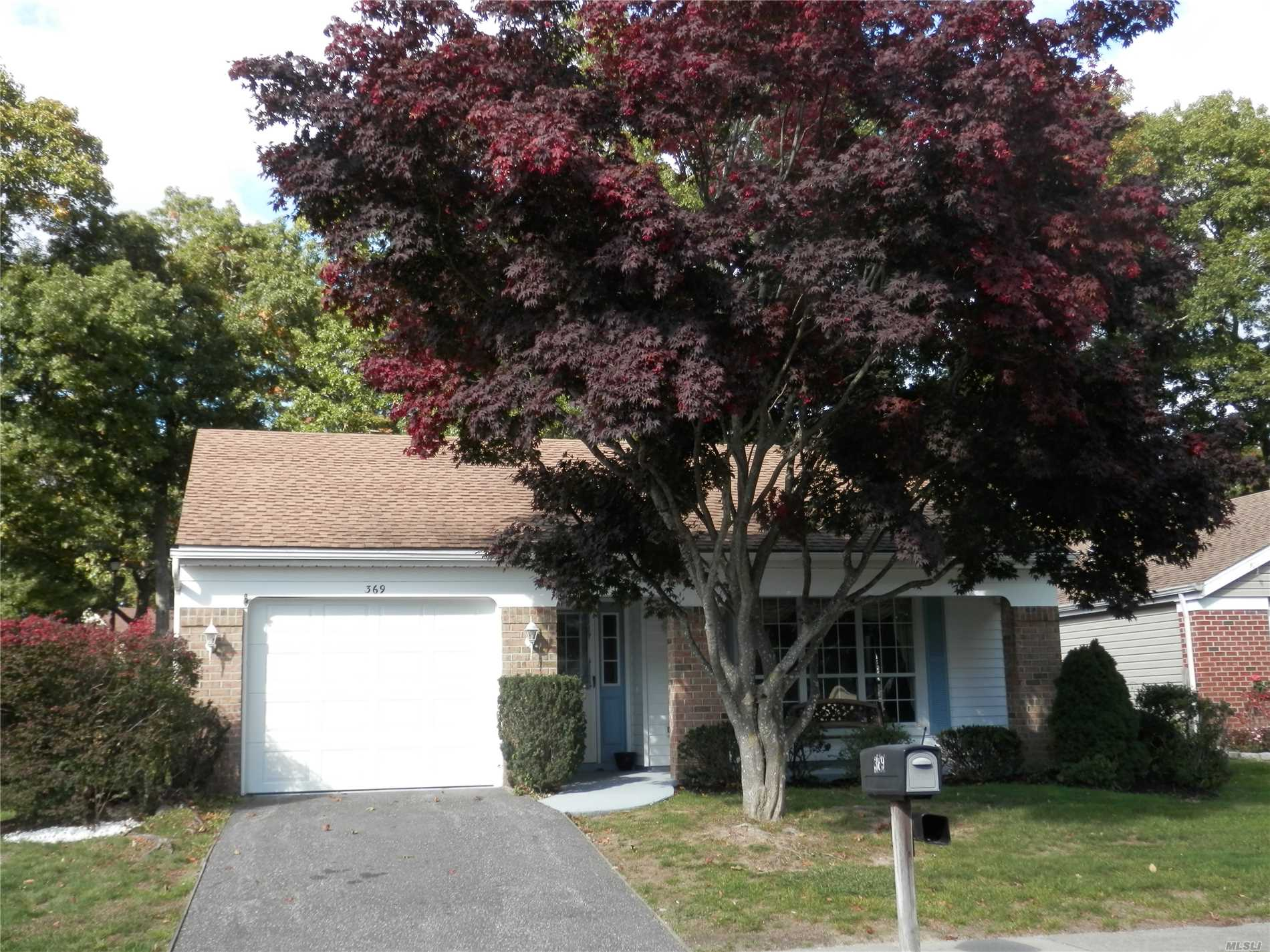 Property for sale at 369 Sheffield Ct, Ridge,  NY 11961