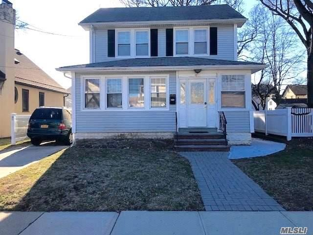 Photo of home for sale at 47 Christabel St, Lynbrook NY