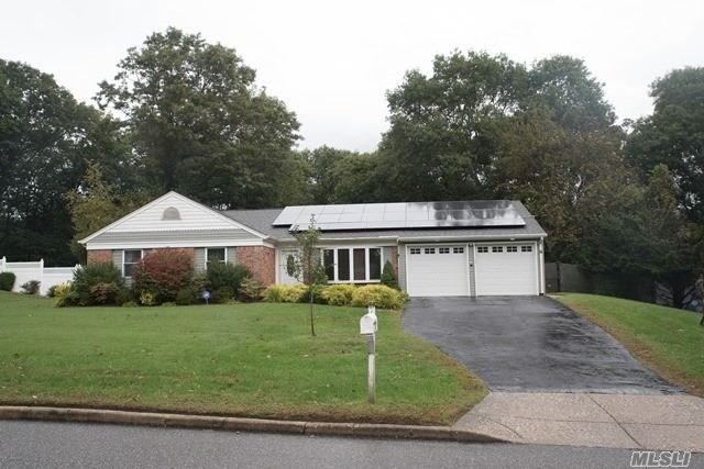 Photo of home for sale at 32 Summercress Ln, Coram NY