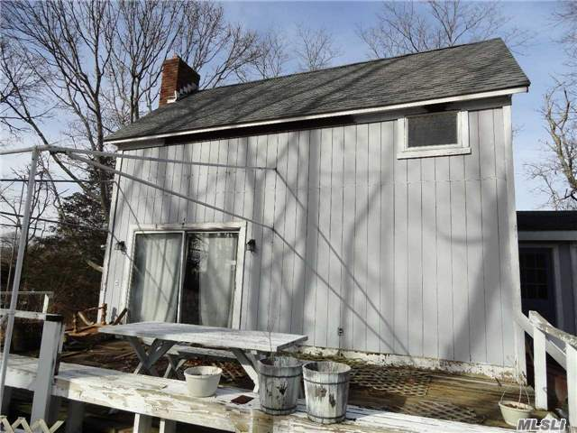 Photo of home for sale at 196 Jamesport Ave S, South Jamesport NY