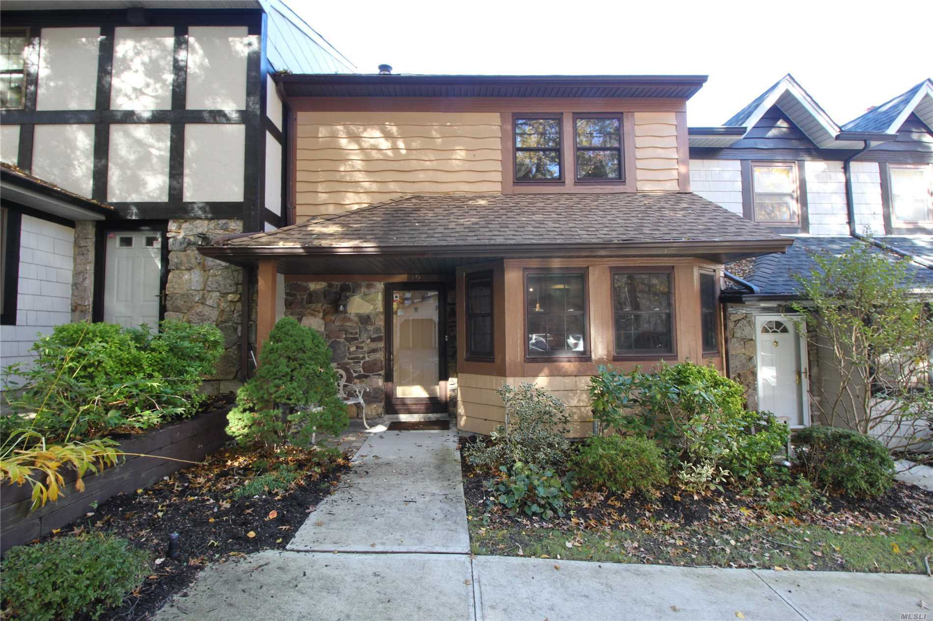Property for sale at 19 Sheffield Hill, Woodbury,  NY 11797