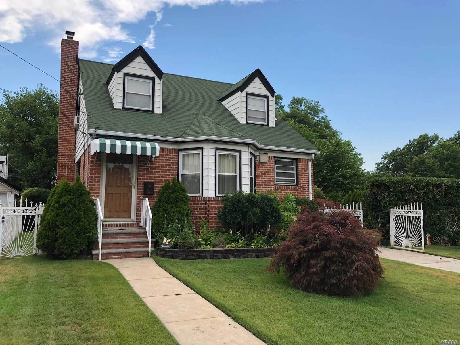 Photo of home for sale at 115-02 237 St, Elmont NY