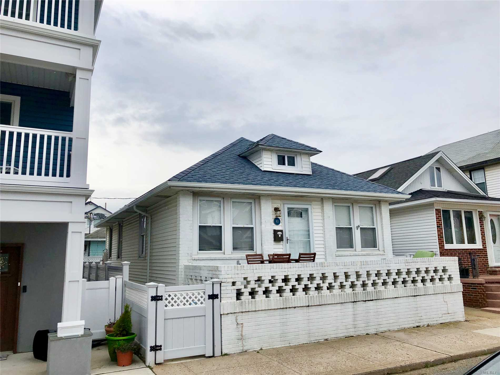 Photo of home for sale at 83 Oregon St, Long Beach NY