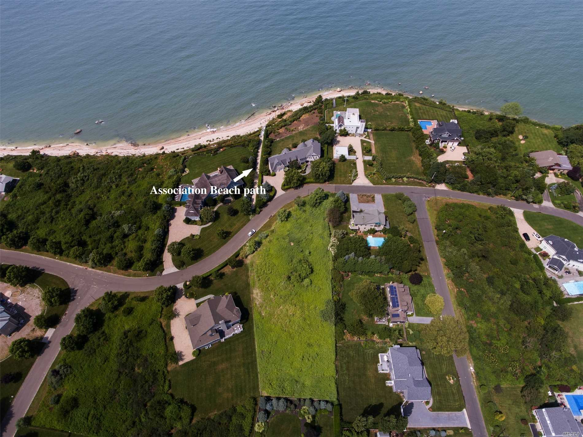 Photo of home for sale at 1255 Sound Dr, Greenport NY
