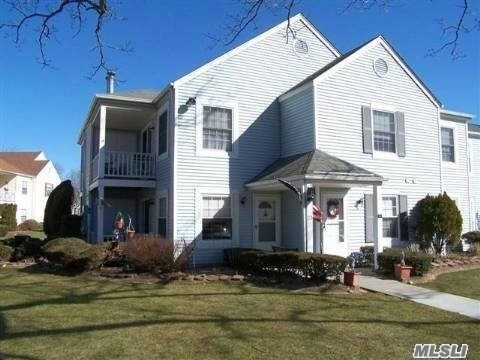 Property for sale at 23 Fairview Cir, Middle Island,  NY 11953