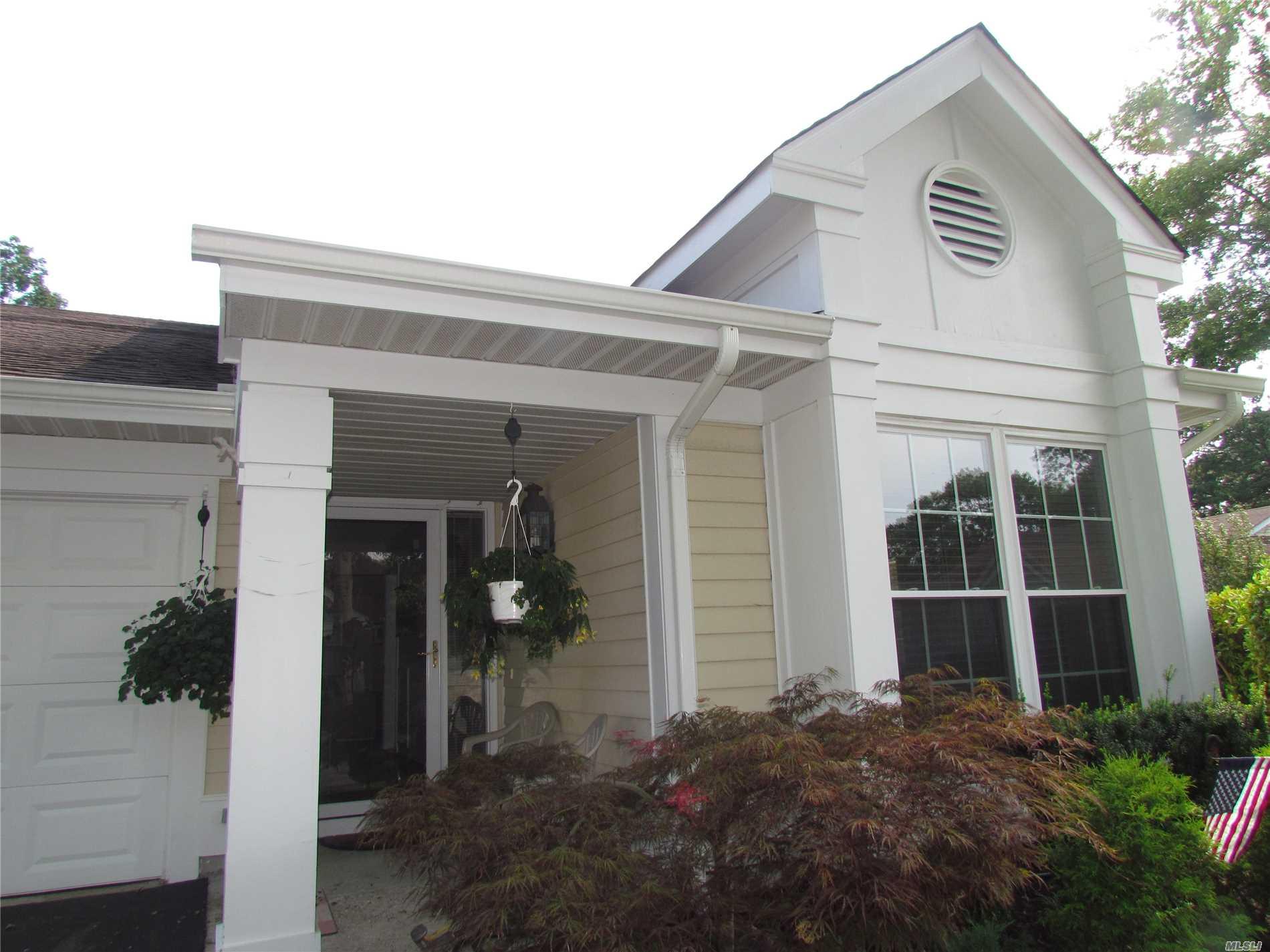 Property for sale at 1 Milleridge Ct, Ridge,  NY 11961