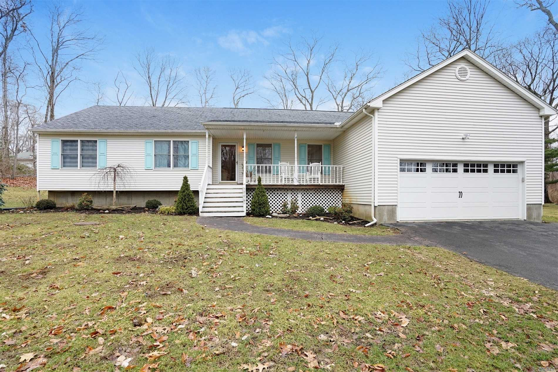 Photo of home for sale at 340 Westwood Ln, Greenport NY