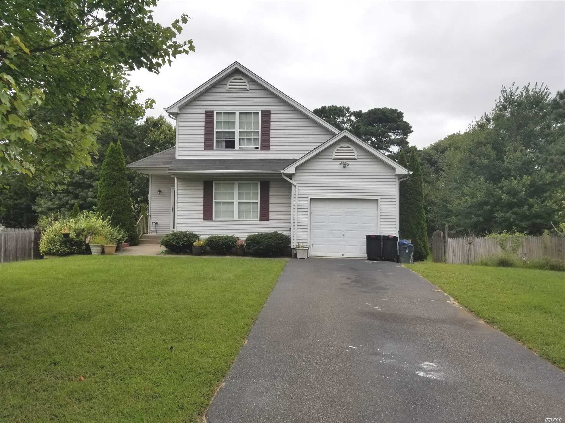 Photo of home for sale at 80 Samantha Dr, Coram NY