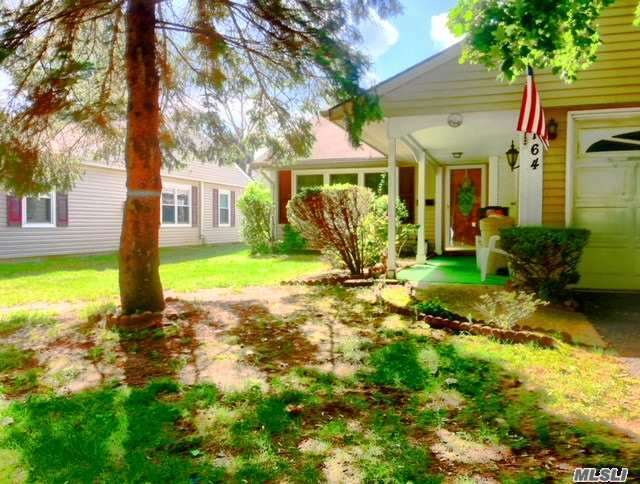 Property for sale at 164 Laurance Ln, Ridge,  NY 11961