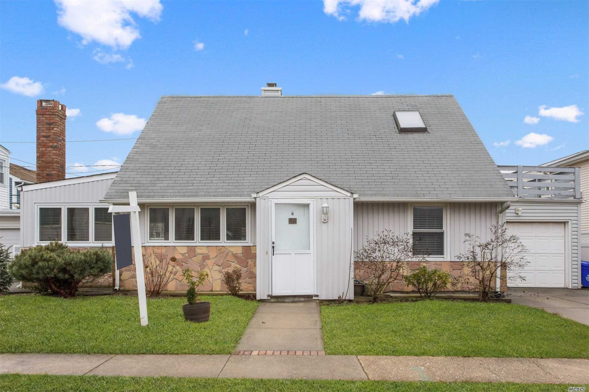 Photo of home for sale at 139 Mitchell Ave, Long Beach NY