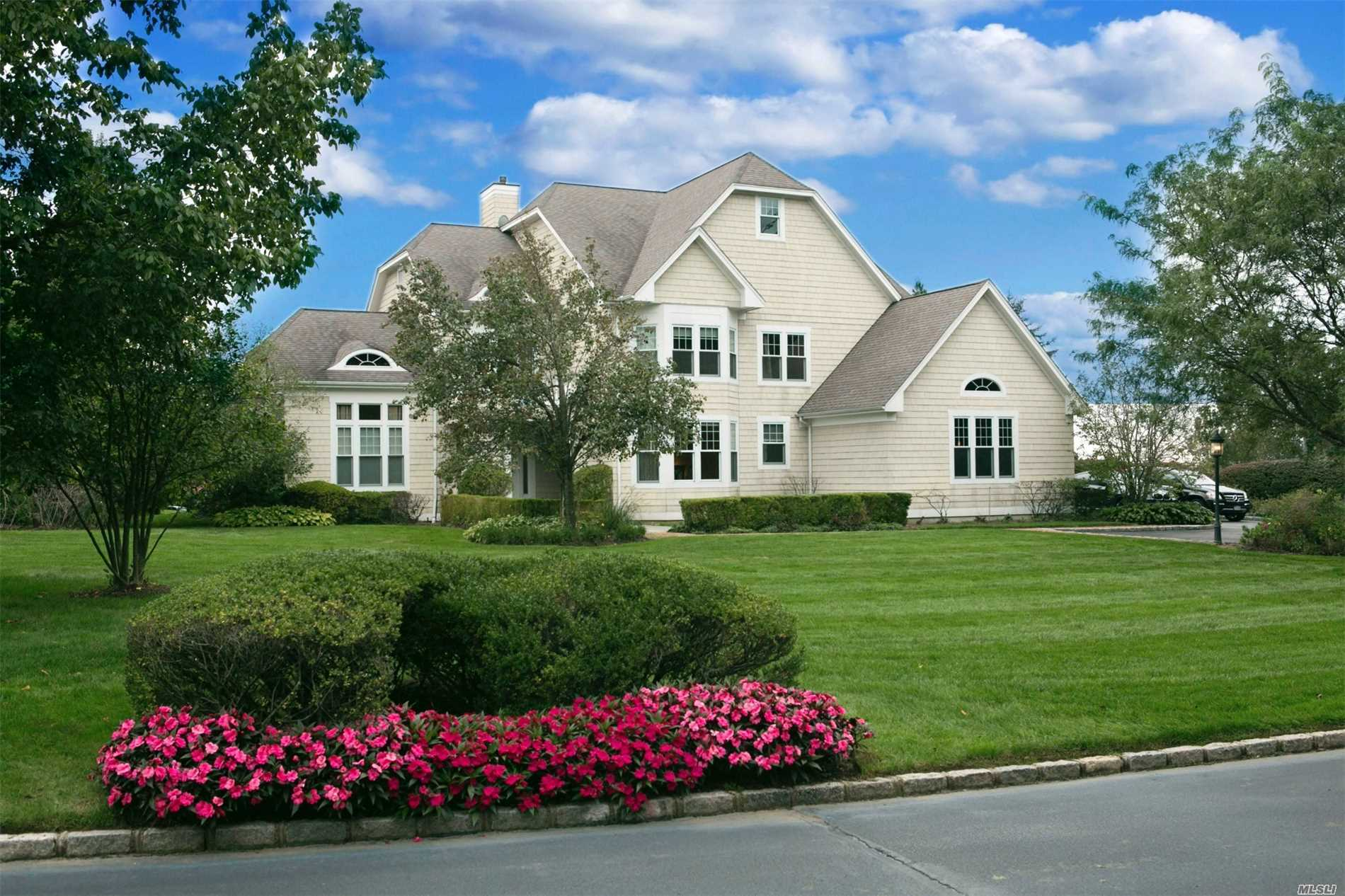 Photo of home for sale at 5 Pembroke Dr, Glen Cove NY