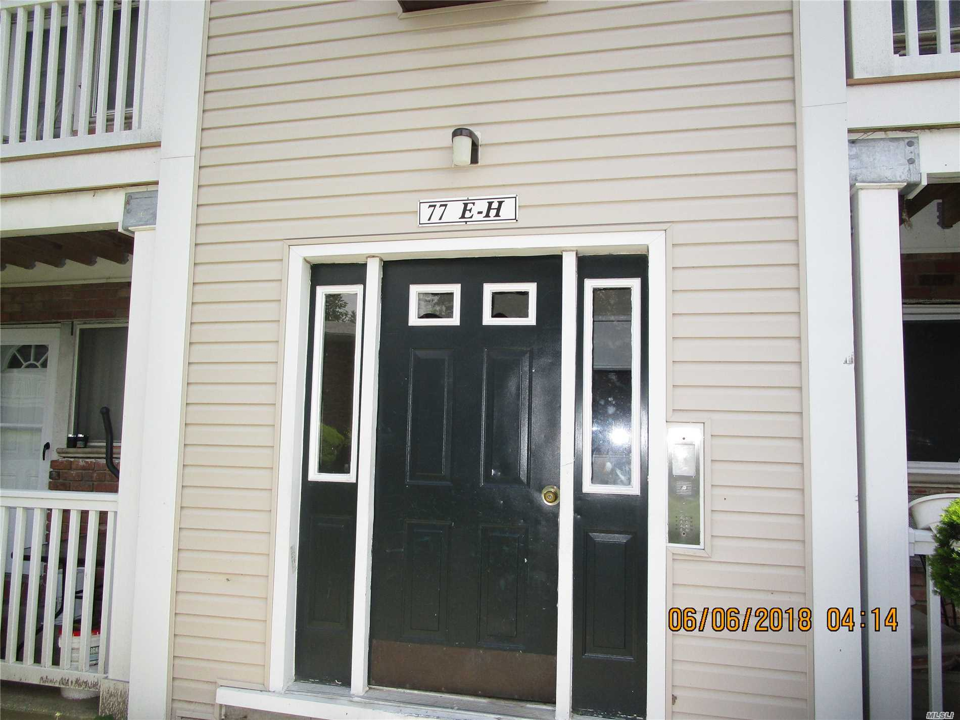Photo of home for sale at 77 Adams Rd, Central Islip NY