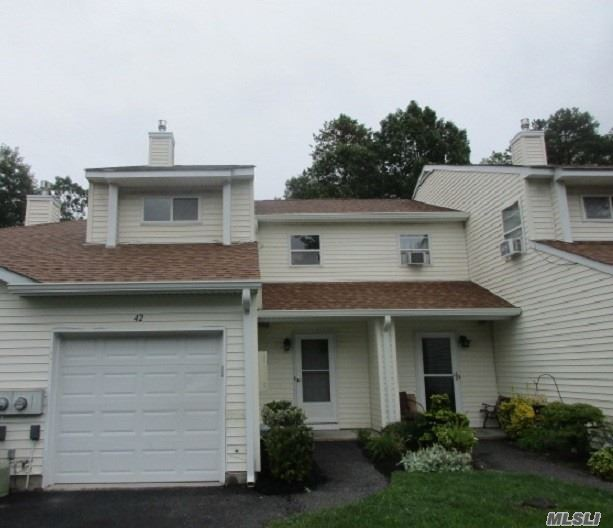 Property for sale at 42 Ava Ct, Manorville,  NY 11949