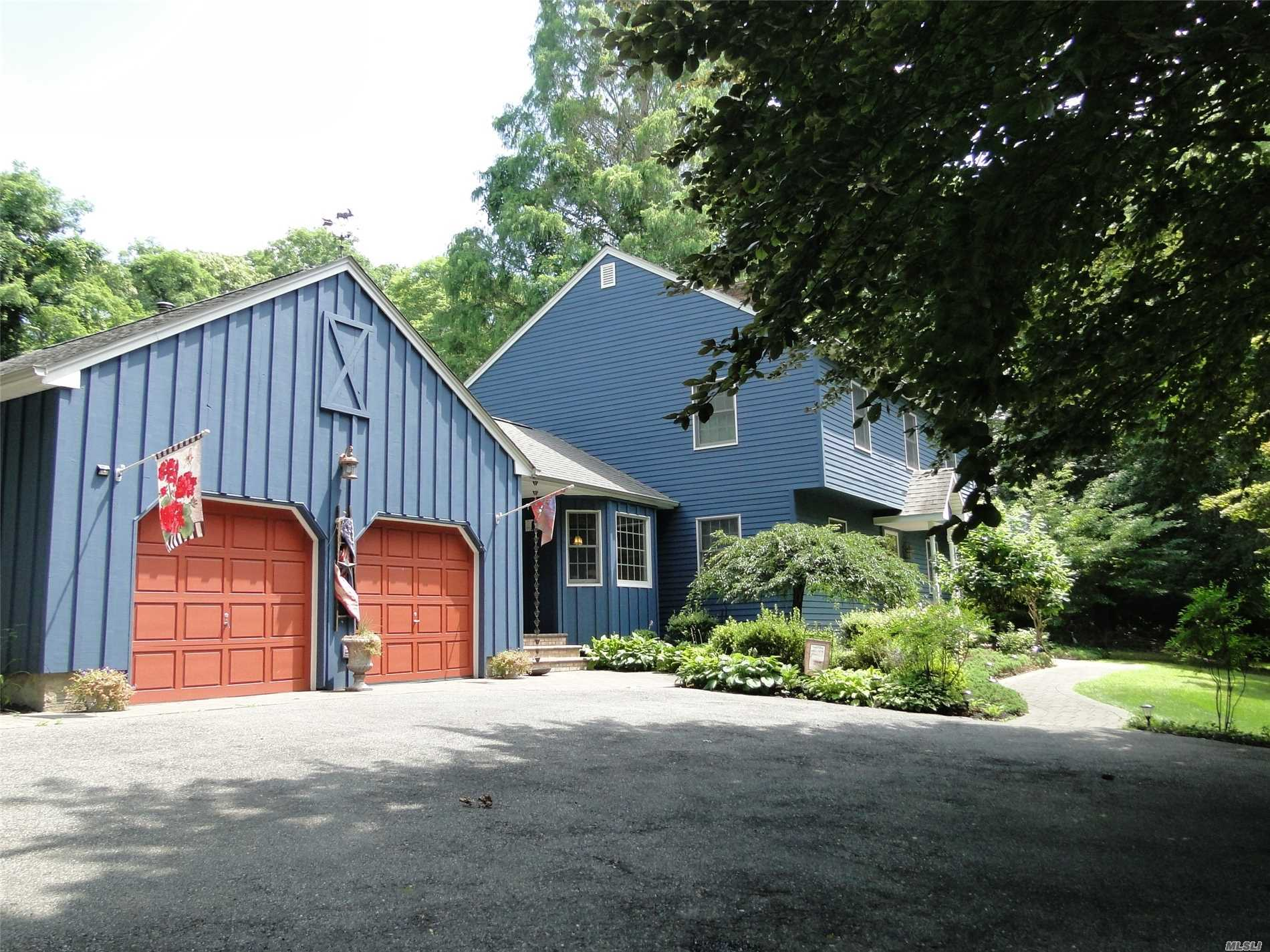 Photo of home for sale at 135 Lwr.Rocky Pt Ld Rd, Rocky Point NY