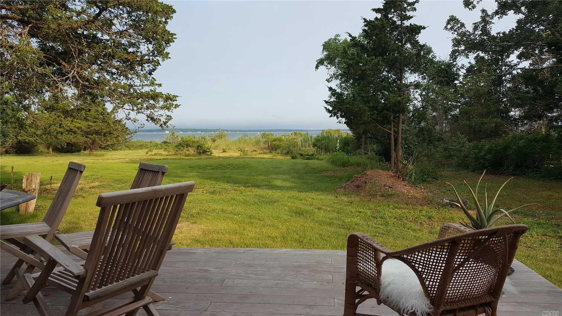 Photo of home for sale at 669 Peconic Bay Blvd, Jamesport NY