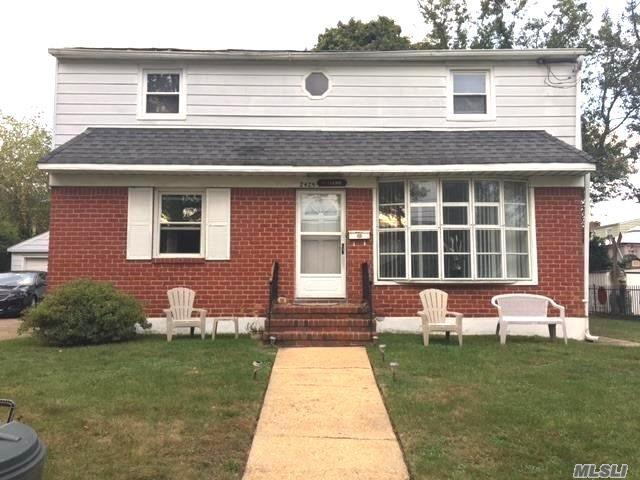 Photo of home for sale at 2429 Rugby St, East Meadow NY
