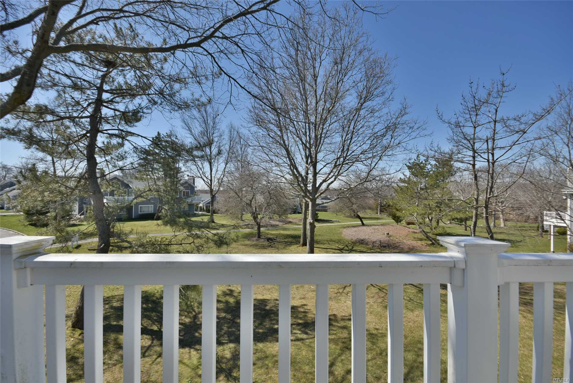 Photo of home for sale at 417 Lindsay Ln, Moriches NY