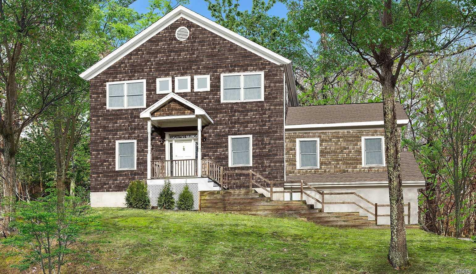 Photo of home for sale at 24 Wheelock Walk, East Hampton NY