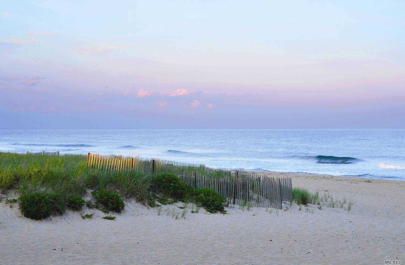 Photo of home for sale at 143 Fairway Rd, Lido Beach NY