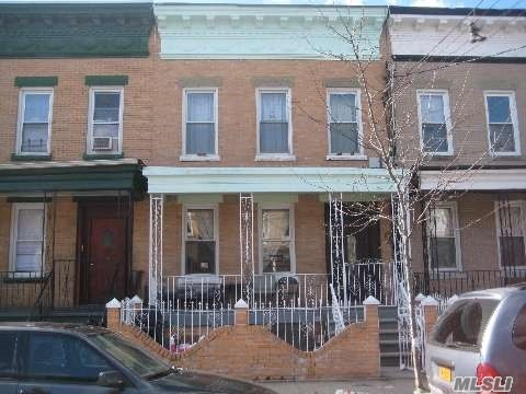 Photo of home for sale at 220 Autumn Ave, Brooklyn NY