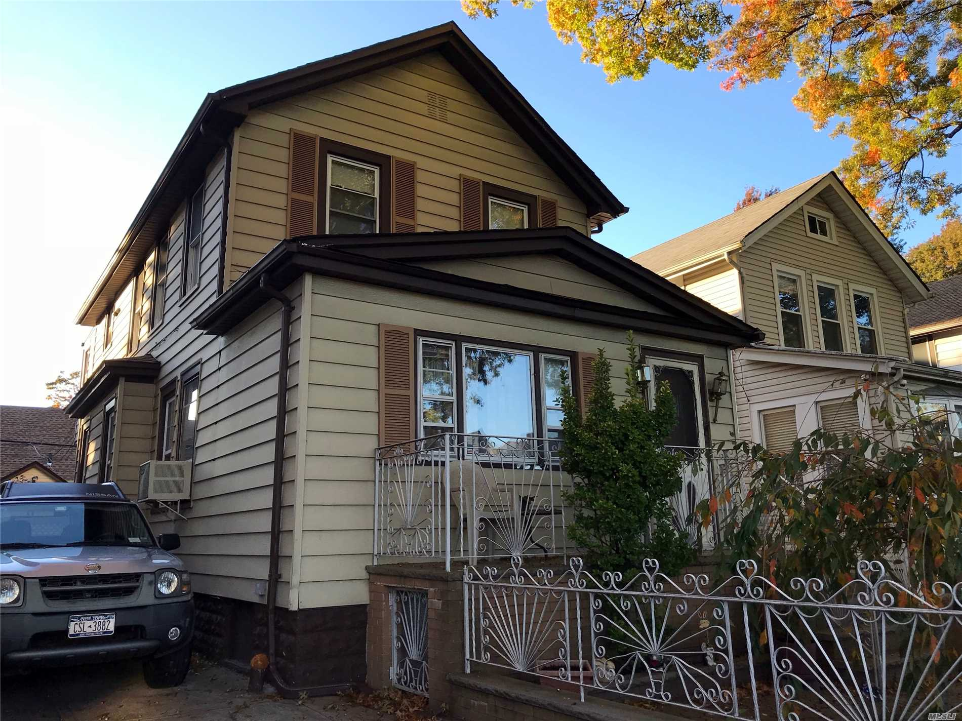 Photo of home for sale at 44-10 Utopia Pky, Flushing NY