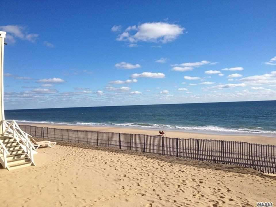 Photo of home for sale at 126 Emerson Ave S, Montauk NY