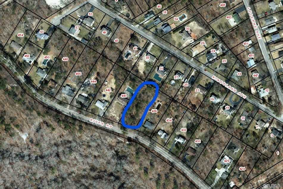 Photo of home for sale at River Rd, Yaphank NY