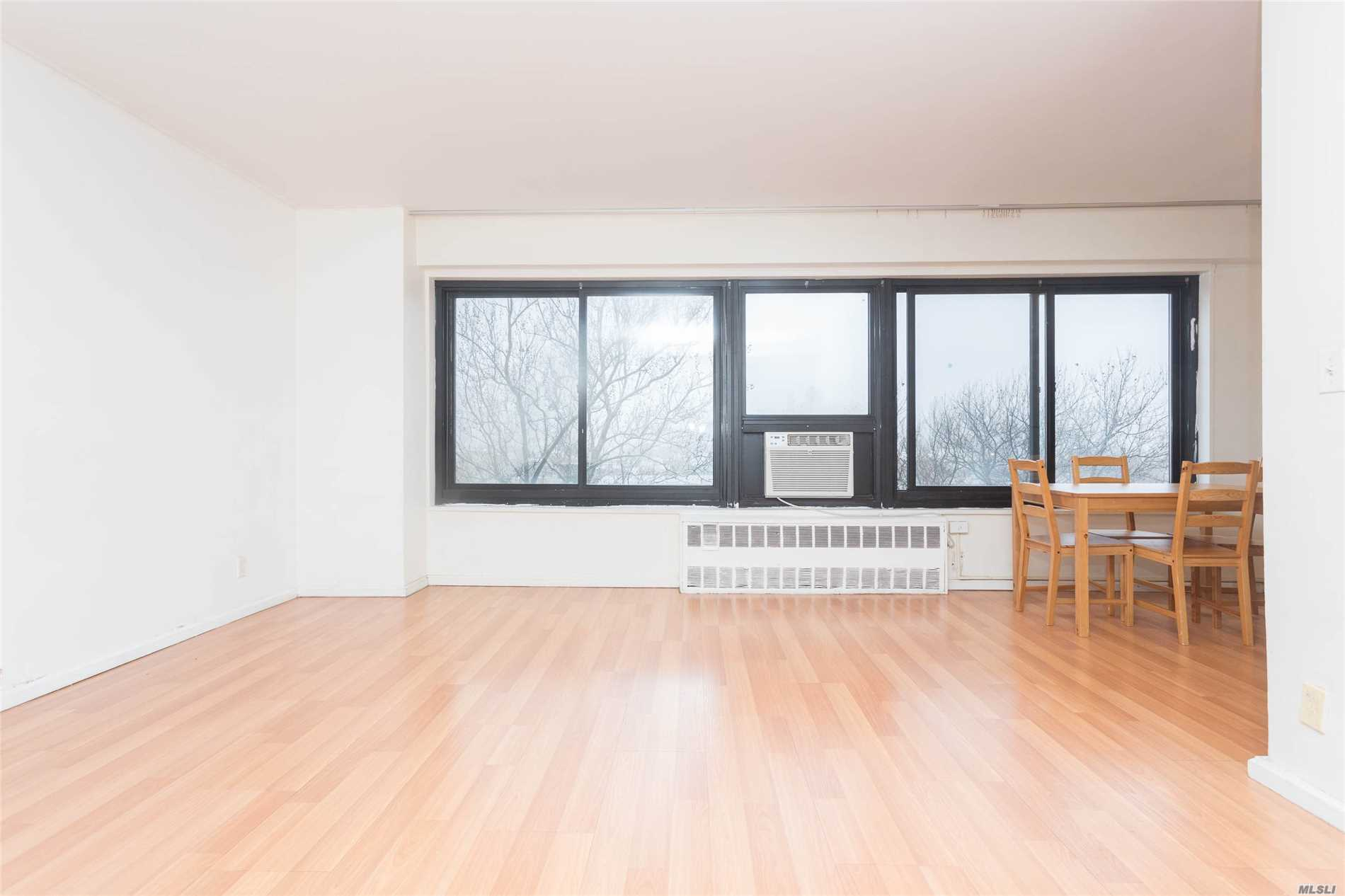 Photo of home for sale at 33-43 14th St, Long Island City NY
