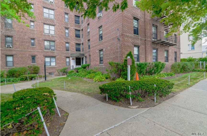 Photo of home for sale at 112-24 Northern Blvd, Corona NY
