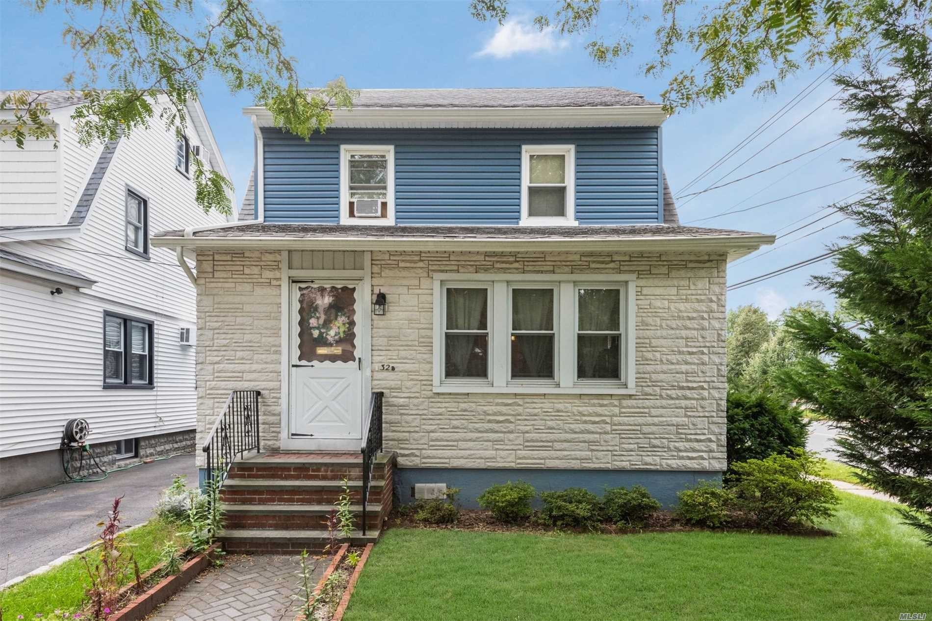 Photo of home for sale at 32B Emerson Ave, Floral Park NY