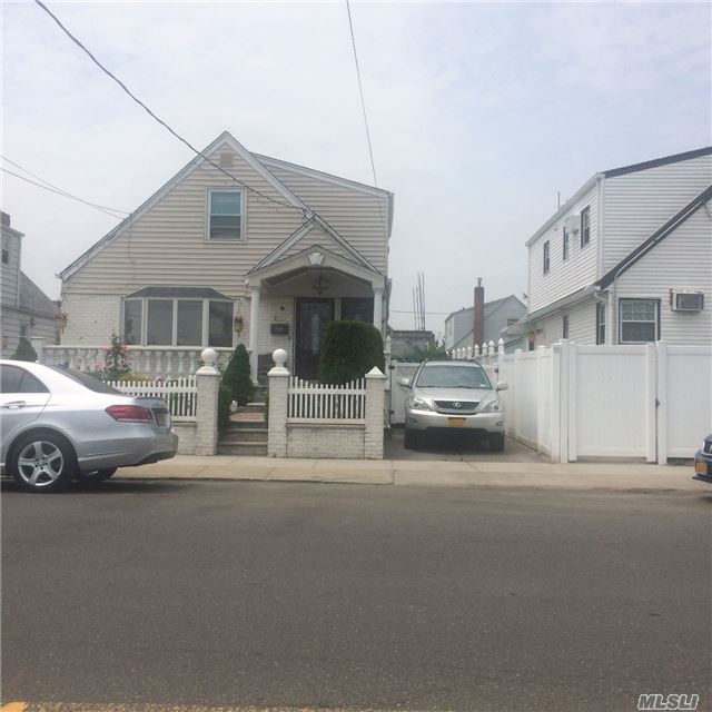 Photo of home for sale at 150-06 130th St, South Ozone Park NY