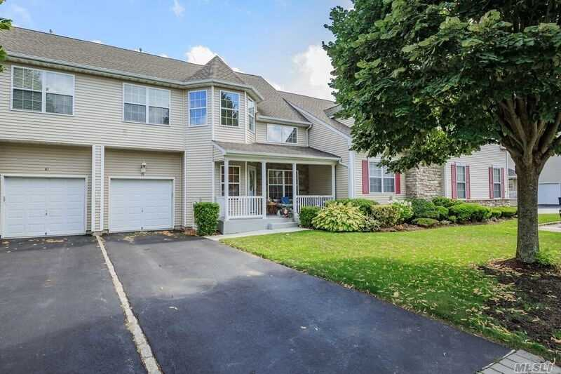 Property for sale at 79 Meadow Pond Cir, Miller Place,  NY 11764