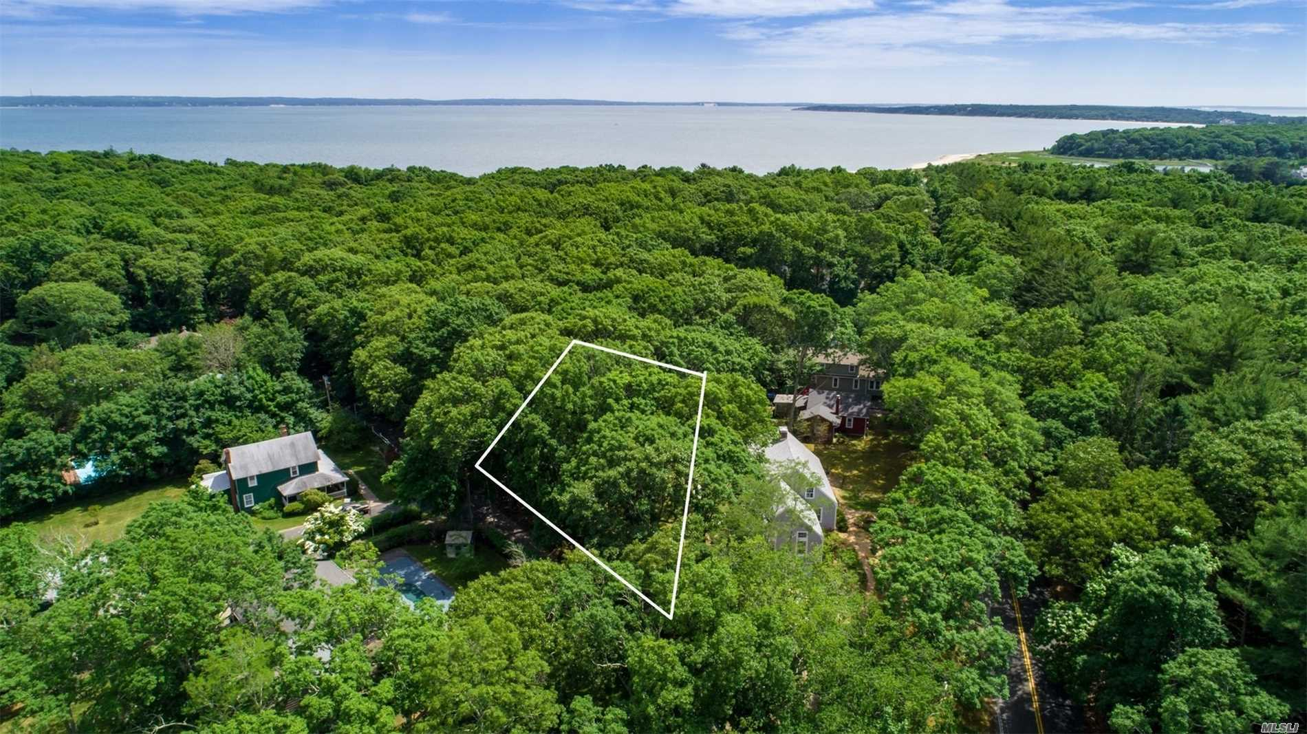 Photo of home for sale at 240 Old Wood Path, Southold NY
