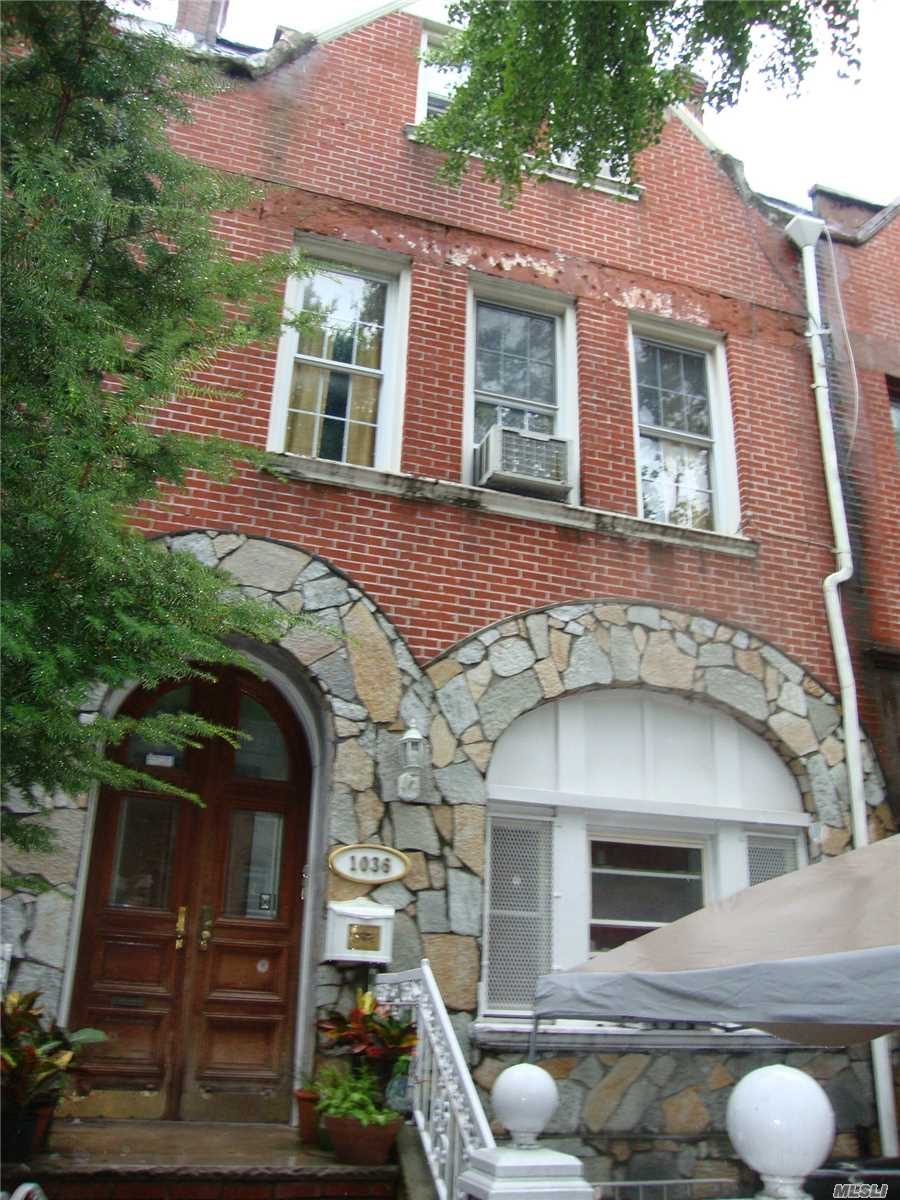 Photo of home for sale at 1036 Bergen St, Brooklyn NY