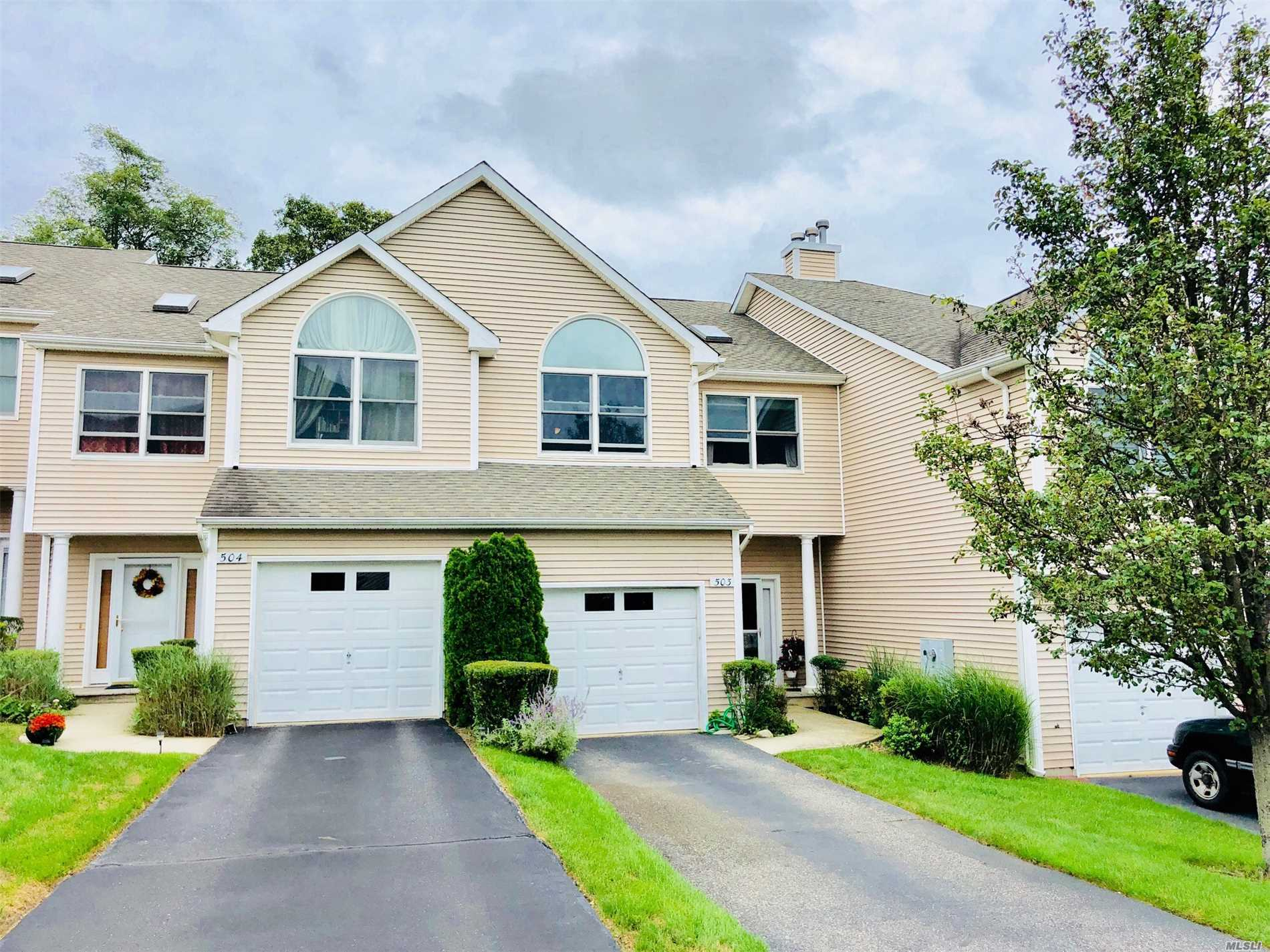Property for sale at 503 Willow Pond Dr Dr, Riverhead,  NY 11901