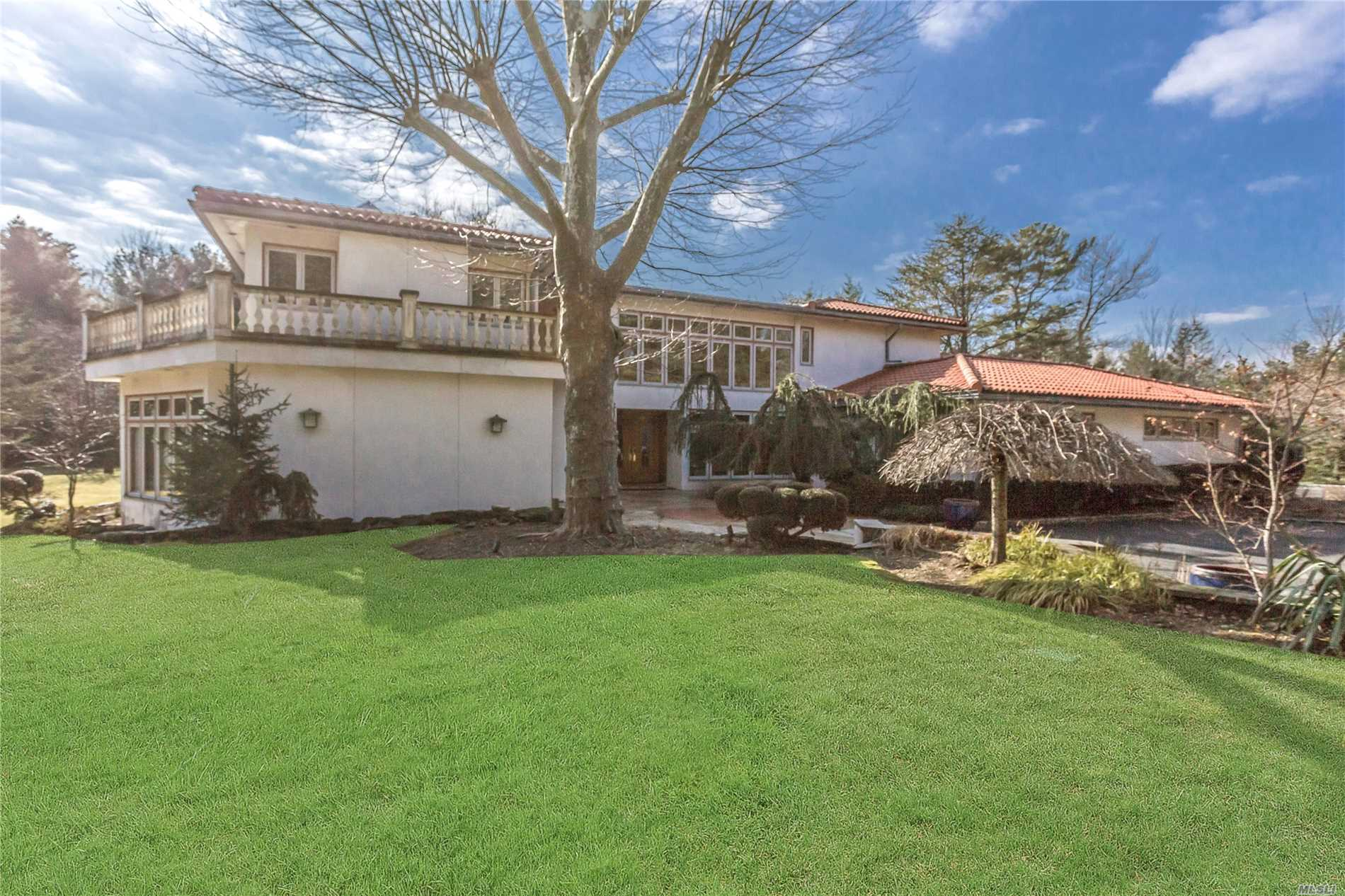 Photo of home for sale at 1 Prince Path, Old Westbury NY