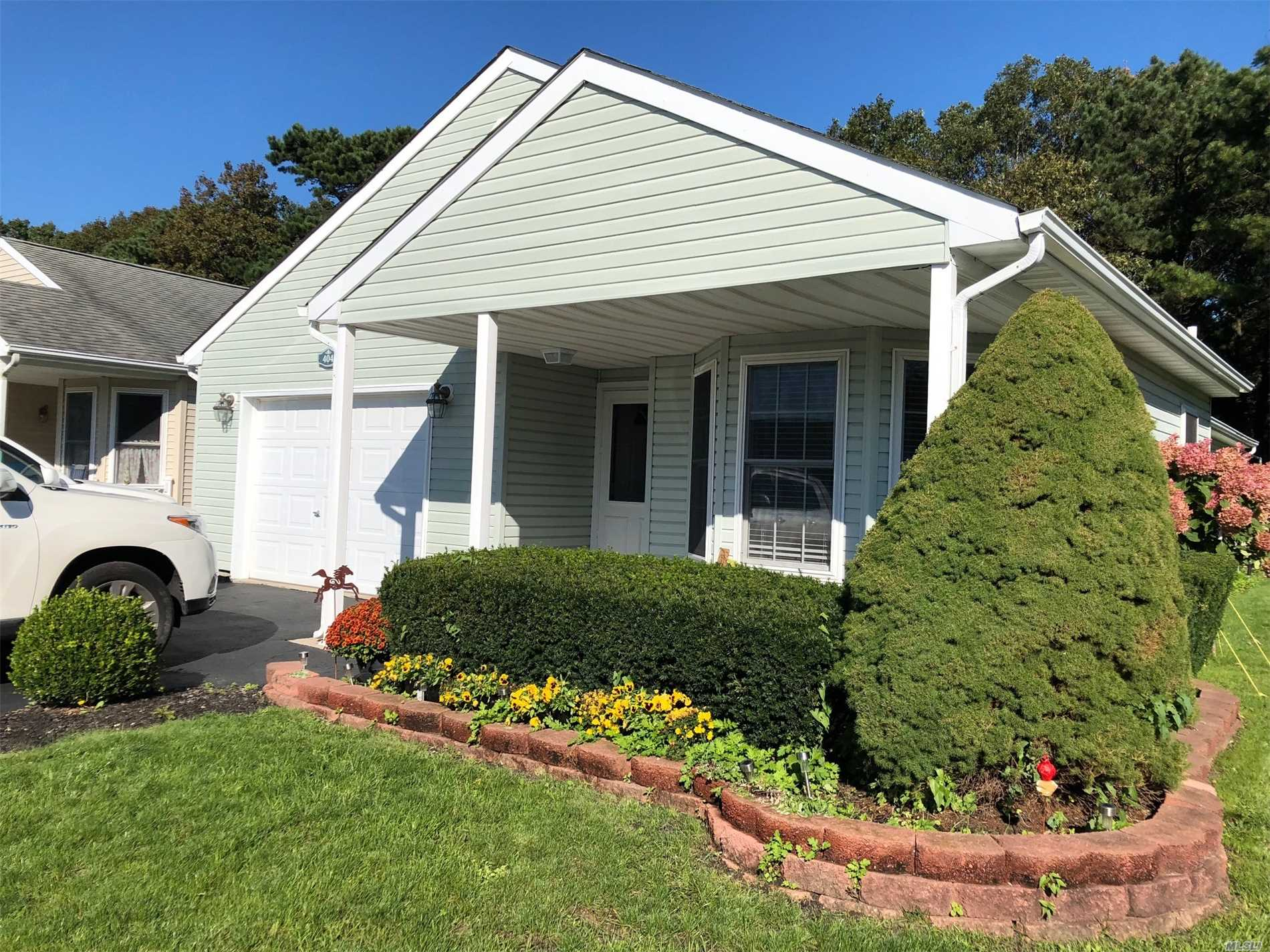 Property for sale at 404 N Village Circle, Manorville,  NY 11949