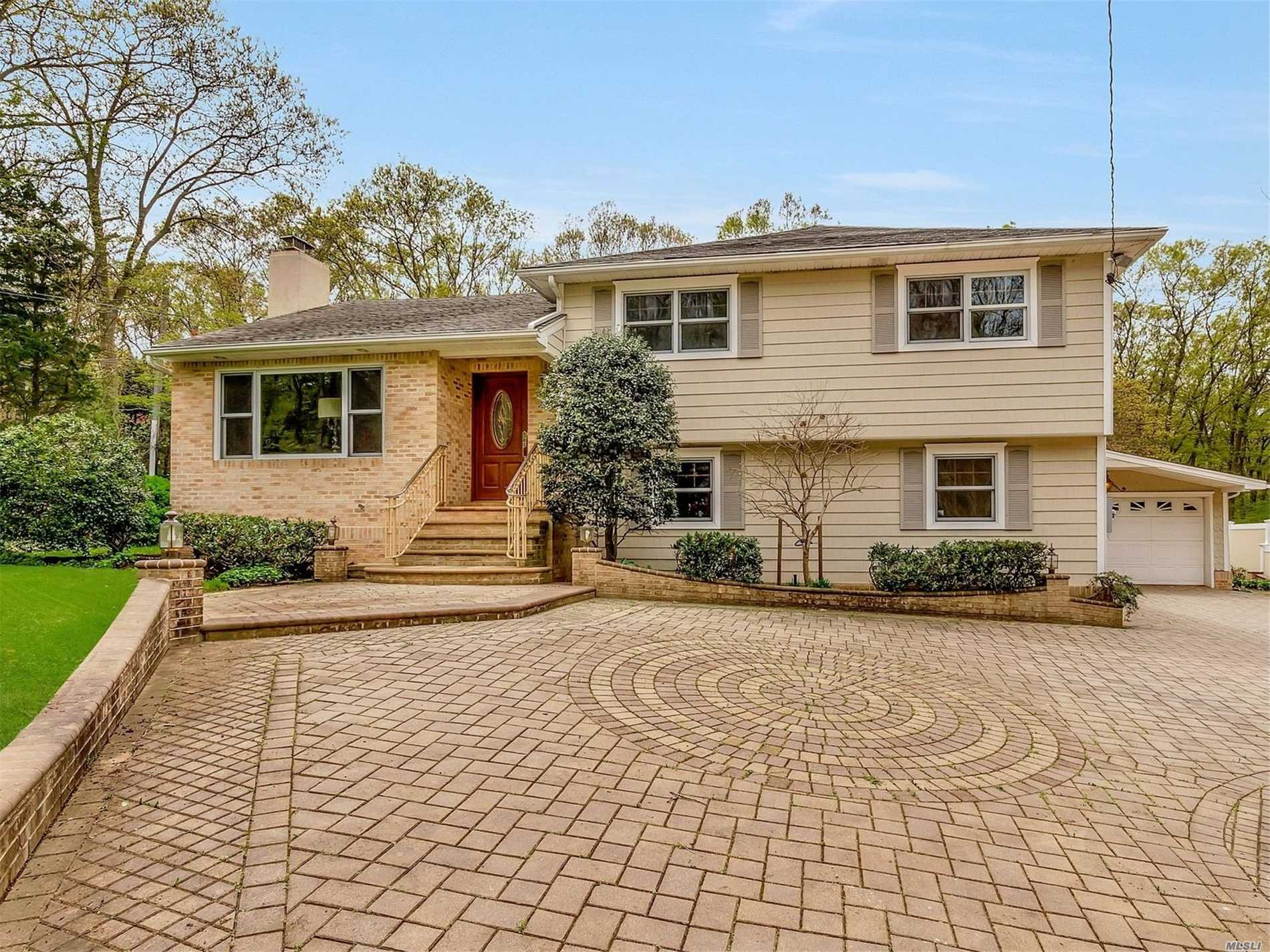 Photo of home for sale at 157 Deforest Rd, Dix Hills NY