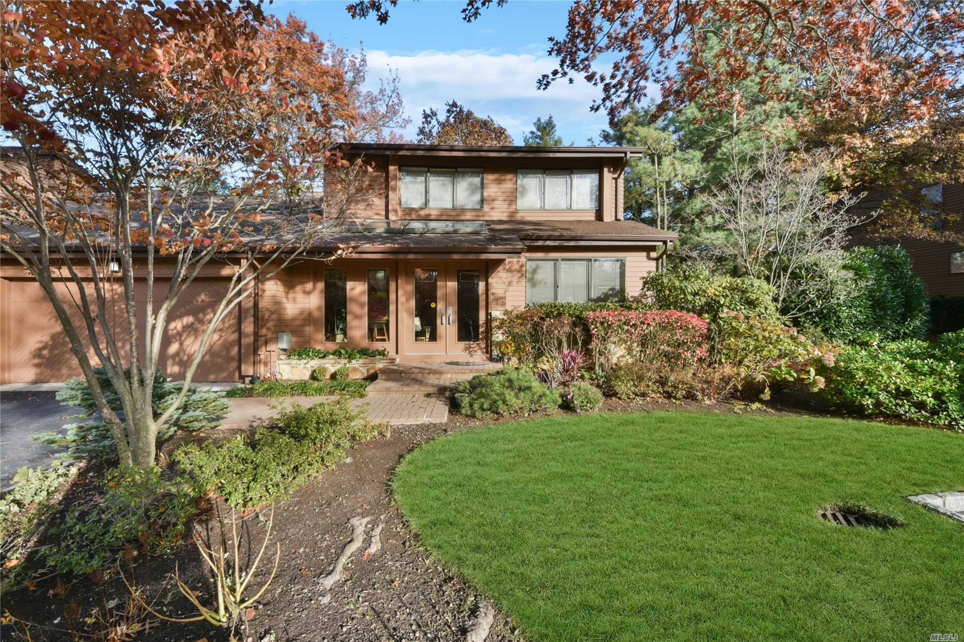 Property for sale at 27 Yale Dr, Manhasset,  NY 11030