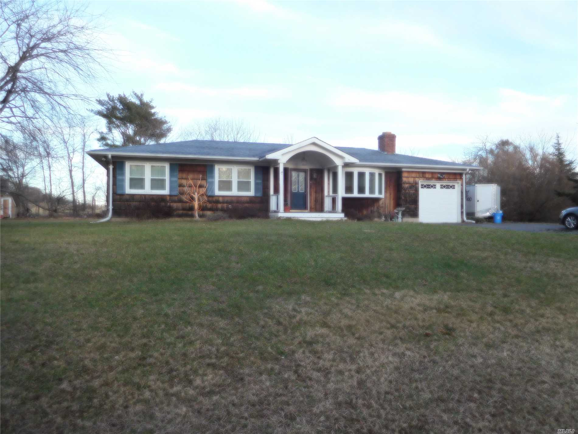 Photo of home for sale at 2 Sebastian Dr, Riverhead NY