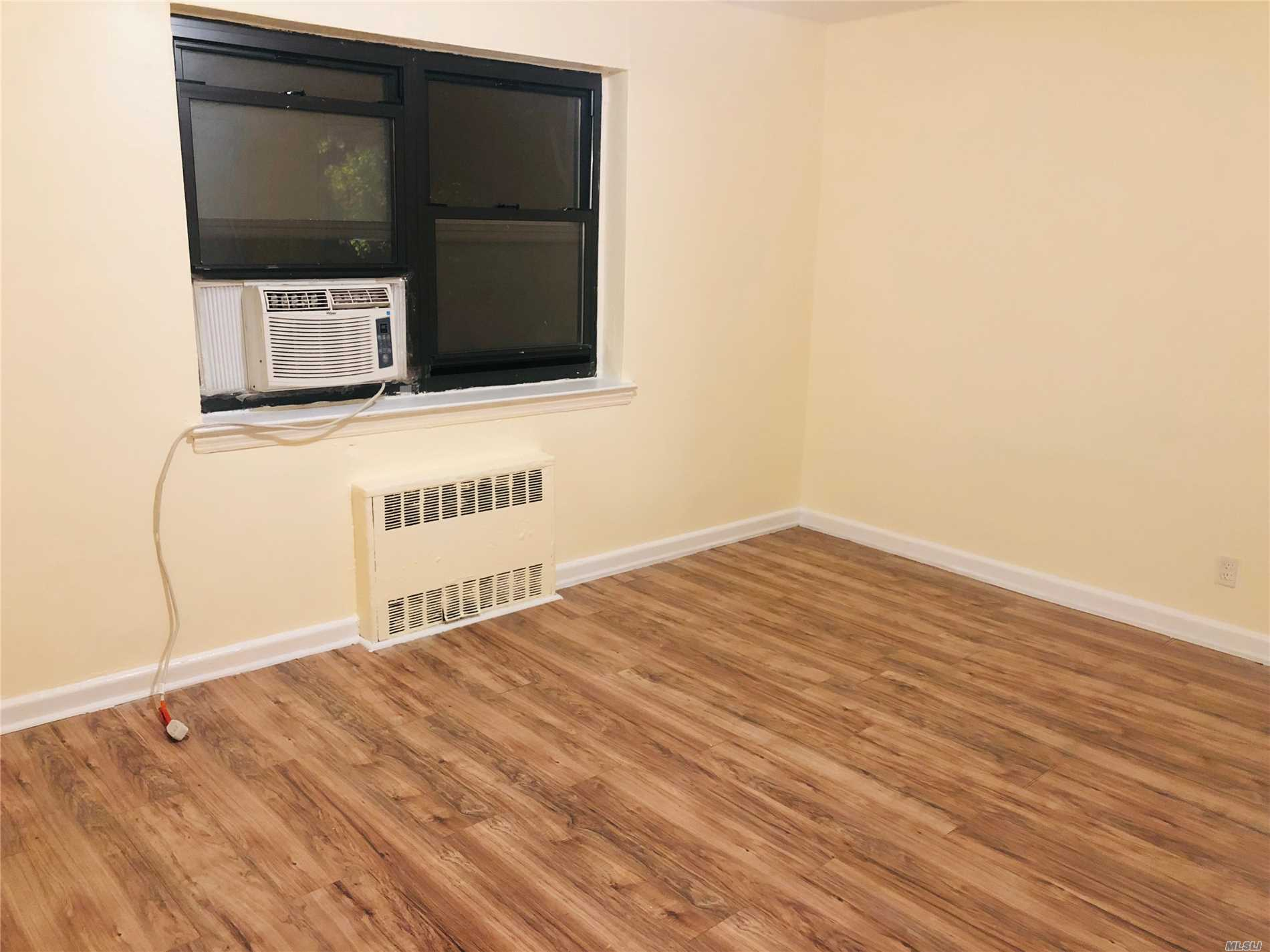 Photo of home for sale at 147-10 84 Road, Briarwood NY